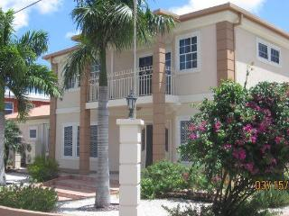 Aruba Eagle Beach Villa Family Vacation Rental - Aruba vacation rentals