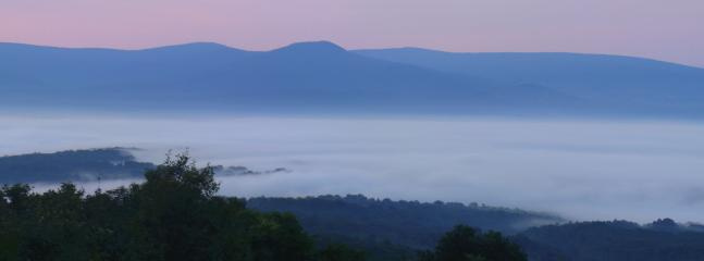 Overlooking 20 miles of... - /\^/\Secluded Mountain Getaway/\^/\ - Luray - rentals