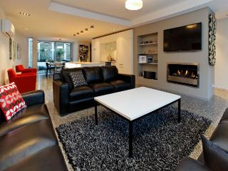 Chic in the City - New Zealand vacation rentals