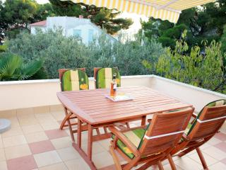 Spacious apartment by the sea for 5 - Sibenik vacation rentals