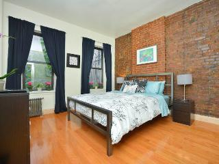 SPLENDID Upper East Side 2 Bed - New York City vacation rentals