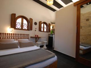 Cosy room with private bath and Kitchenette - Costa de la Luz vacation rentals