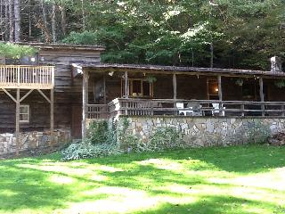 Blue ridge mountains river cabin with waterfall - Lenoir vacation rentals