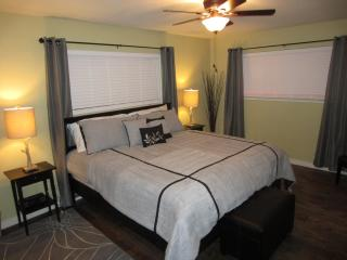 Luxury Cabin - Hillside Gold Country Wine Retreat - Sutter Creek vacation rentals