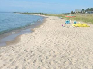 Cathead Bay in Northport MI Sand Castle Sleeps 12 - Lake Leelanau vacation rentals
