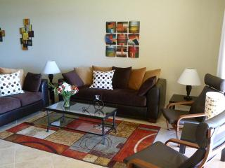 Luxurious lake-front condo - Special Fall rates - Naples vacation rentals