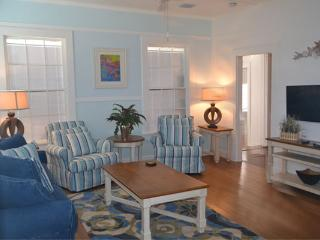 1/2 Block to Duval, World of its own -Nassau Suite - Key West vacation rentals