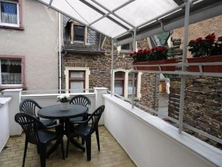 Central Apartment with Balcony - Idar-Oberstein vacation rentals