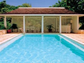 4 Bedroom Villa with Private Jacuzzi in Round Hill - Hope Well vacation rentals