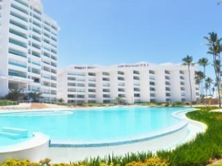 Lovely 3 Bedroom Apartment with Private Balcony in Juan Dolio - Image 1 - Juan Dolio - rentals