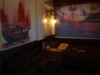 Affordable Apartmenter in Hong Kong Near MTR - Hong Kong vacation rentals