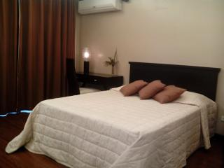 F1 Hotel Luxury Suite fully furnished  w/ wifi - Taguig City vacation rentals