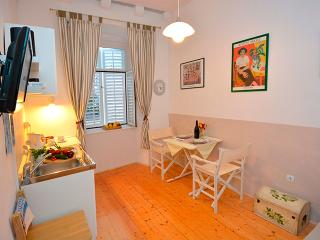 Artist apartament - centrally located - Dubrovnik vacation rentals