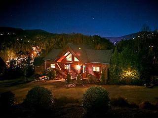May from $199!!! 4BR Downtown Gatlinburg Cabin w/ Hot Tub, View, & More! - Gatlinburg vacation rentals