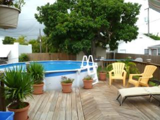 May.$700wk.!!lPool house +close t/beach+WiFi+BBQ - Hollywood vacation rentals