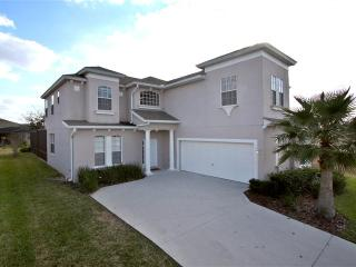 6 BEDROOMS,  SOUTH FACING POOL -25 MINs TO DISNEY - Haines City vacation rentals