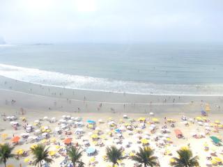 Apartamento Guarujá frente total praia Astúrias. - Guaruja vacation rentals