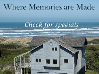 OCEANFRONT CASTLE HOT TUB WITH VIEW STEPS TO BEACH - Port Orford vacation rentals