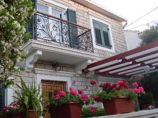 Villa Camellia **** studio 2+1 - Supetar vacation rentals