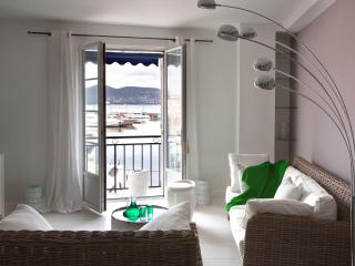 Apartment With amazing View on St Tropez Harbour - Grimaud vacation rentals