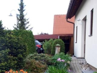 Vacation Apartment in Kreischa - 441 sqft, quiet, bright, comfortable (# 4988) - Stolpen vacation rentals