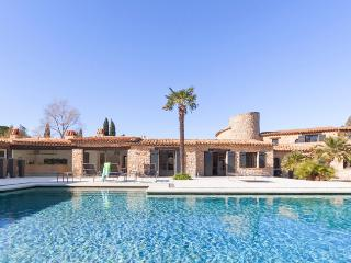 Renovated Old Country House with Fireplace and Pool, St-Tropez - Saint-Tropez vacation rentals