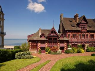 Sublime Norman Villa on the beach in Deauville - Deauville vacation rentals