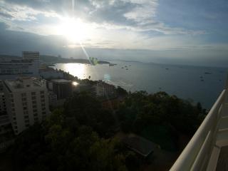 Luxury Studio Pattaya central - Pattaya vacation rentals