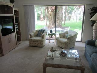 Beautiful Garden Level Condo in Bay to Gulf Resort - Longboat Key vacation rentals