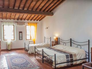 Apartment Giovanni into heart of Florence downtown - Florence vacation rentals