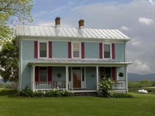 Shenandoah Valley Farmhouse - Shenandoah Valley vacation rentals