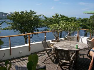 Stunning modern designer 4bedroom house in the safest area of Rio, by Sugar Loaf, for up to 10people - Rio de Janeiro vacation rentals