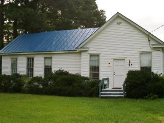 Rural Getaway in 1908 Landmark - Sunbury vacation rentals