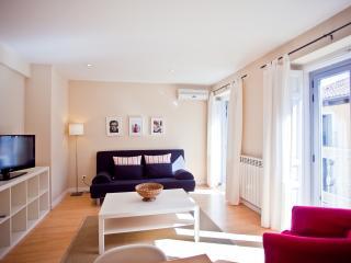 Modern & Sunny Apartment - Madrid vacation rentals