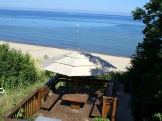 White Sandy private beach, 1hr drive from Chicago - Long Beach vacation rentals