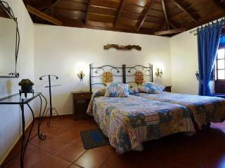 Cottage Cuevas Negras, in Teno Rural Park - Los Silos vacation rentals