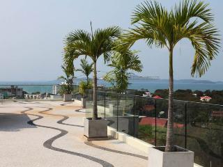 Beautiful 1-bed in Park Royal Condo - Pattaya vacation rentals