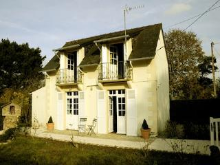 Saint Briac Little House - Ardenais vacation rentals