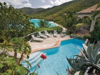 Glorious 4 Bedroom Waterfront Villa in Peter Bay - Peter Bay vacation rentals