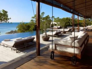Peaceful 11 Bedroom Villa with Private Pool in Parrot Bay - Parrot Cay vacation rentals