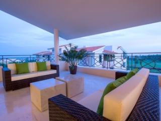 Elegant 4 Bedroom Beachfront Condo in Punta Mita - Punta de Mita vacation rentals