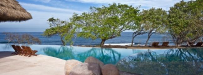 Intimate 6 Bedroom Villa with Private Pool in Punta Mita - Image 1 - Punta de Mita - rentals