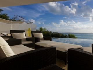 Extraordinary 5 Bedroom Villa with Infinity Pool in Quintana Roo - Isla Mujeres vacation rentals