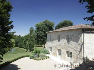 Bergerie du Chateau FRMD127 - La Sauvetat sur Lede vacation rentals