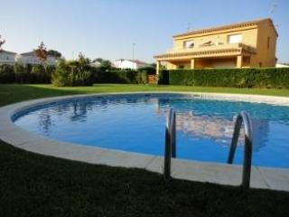House in L'Escala Costa Brava Fully equipped with pool near the beach - L'Escala vacation rentals