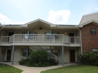 Penthouse | Condo | Outdoor/Indoor Pool | Hot Tub | Next to Golf course & 76 (A11920) - Branson vacation rentals