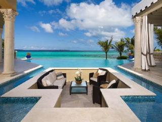 Spectacular beachfront Casa deLeon with infinity pool, media room & pool table - Paradise Island vacation rentals