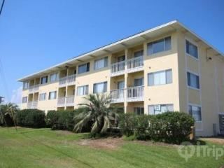 ECONOMICAL STAY IN DESTIN!! SLEEPS 4. Available for up to 6 months!! - Destin vacation rentals