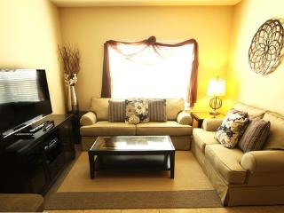 2 Bed Resort With Amenities 5 Min To Disney FR$74 - Orlando vacation rentals
