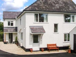 ANCHOR COTTAGE, raised garden, close to the beach, in Saundersfoot, Ref. 21546 - Llangynog vacation rentals